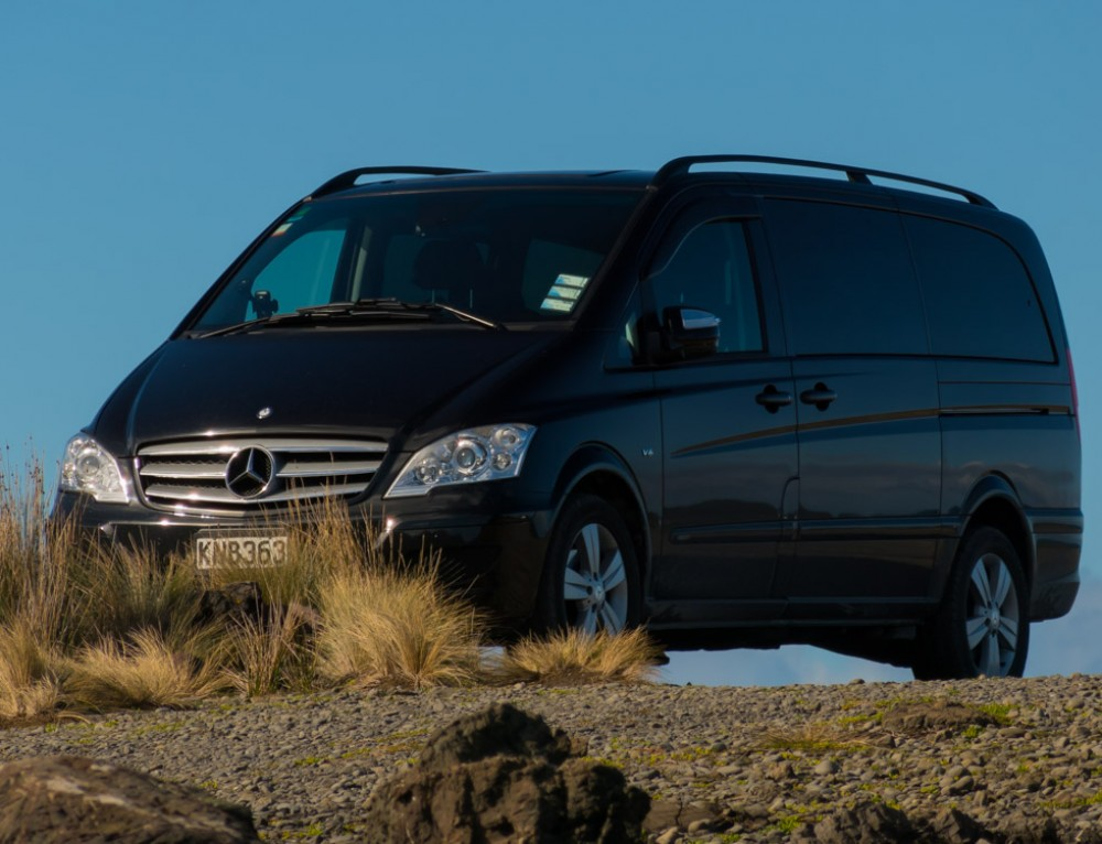 Six Reasons to Hire a Professional Driver For Your New Zealand Vacation.